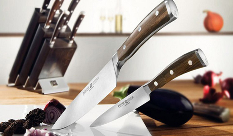 Din bucătăria ta nu trebuie să lipsească aceste tipuri de cuțite