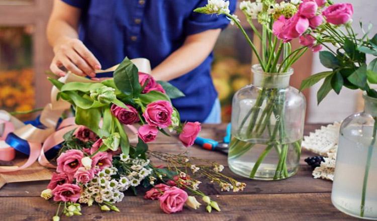 Cele mai bune trucuri pentru a păstra florile cât mai mult timp