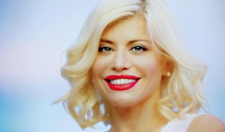 Cea mai iubita artista din Romania,isi serbeaza azi ziua de nastere