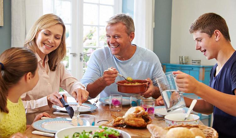 Reguli pentru a lua masa în familie