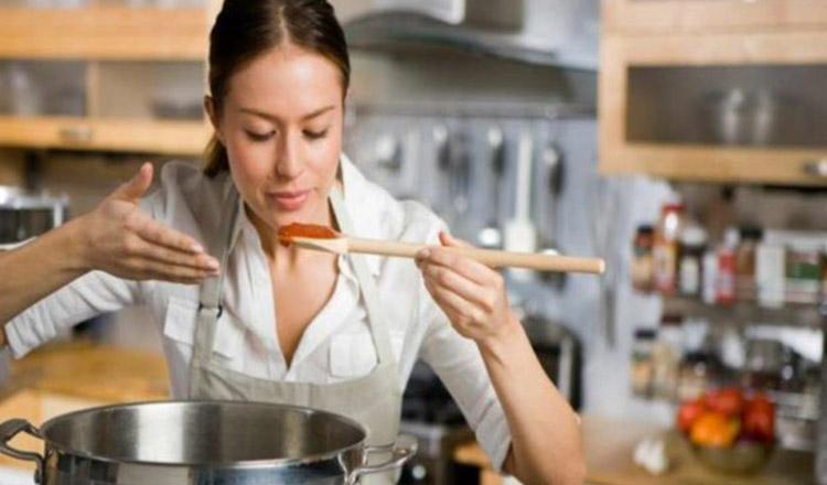 De ce recomandă marii bucătari să gătiți mâncarea la wok?