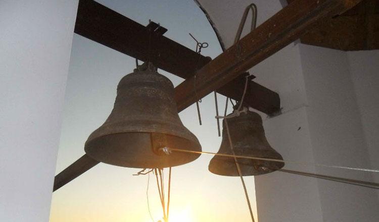 Bat clopotele peste România. Rugăciune comună la mijlocul zilei, în toate bisericile, mănăstirile și casele credincioșilor