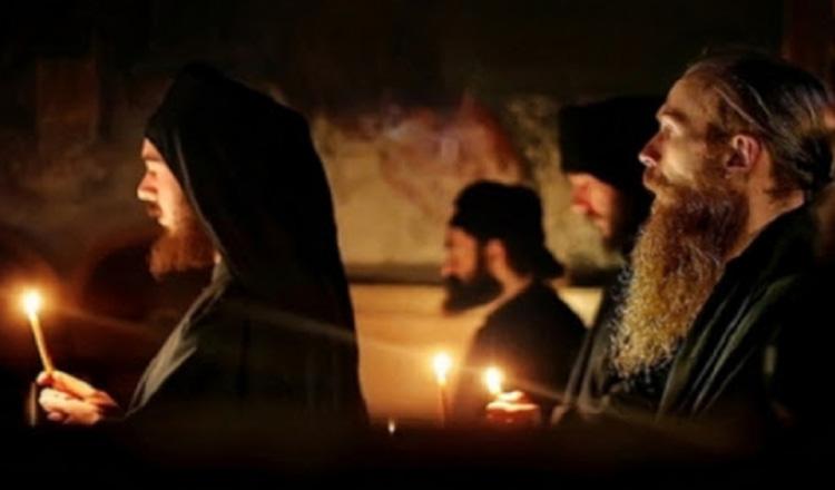 Sfântul Munte Athos se roaga în această noapte pentru încetarea epidemiei cu noul coronavirus.