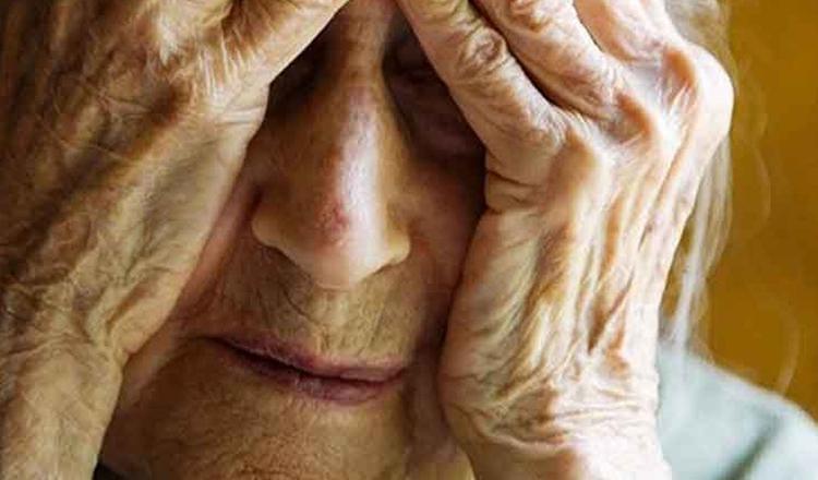 Bătrâni ținuți în camere fără ferestre și în mizerie, într-un azil ilegal din Craiova