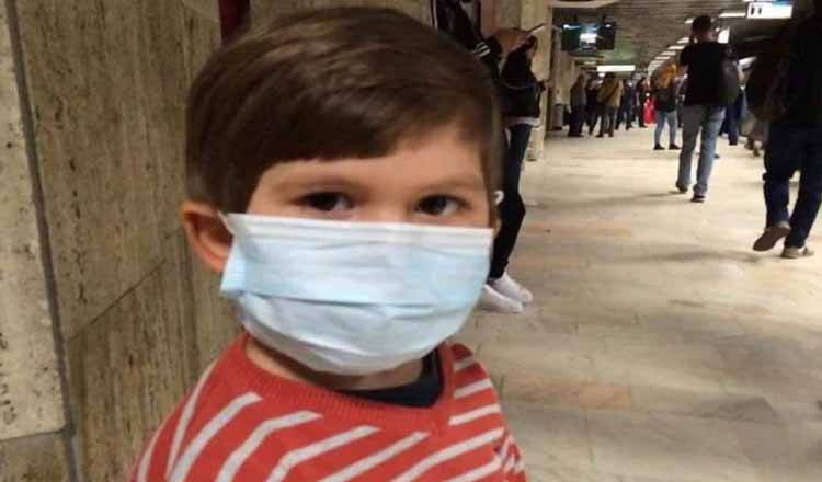 Mama unui băiețel cu imunodeficiență primară: Lăsați loc sub soare pentru toți, nu numai pentru nesimțiți. #PoartăMasca
