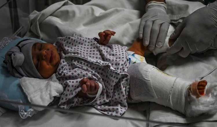 Un bebeluș a supraviețuit după ce a fost împușcat de două ori într-un atac armat