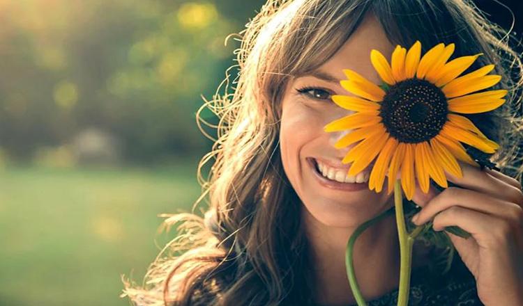 Ce frumoasă-i viața când ai zâmbete pentru ziua de azi, amintiri din ziua de ieri, speranţă pentru ziua de mâine