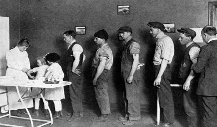 """În timpul """"Gripei Spaniole"""" din 1918, doar cei vaccinați au murit"""