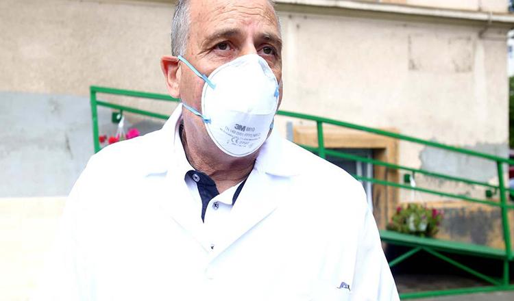 """Record de cazuri COVID-19 în România. Dr. Virgil Musta, avertisment: """"Nu avem altă şansă"""""""