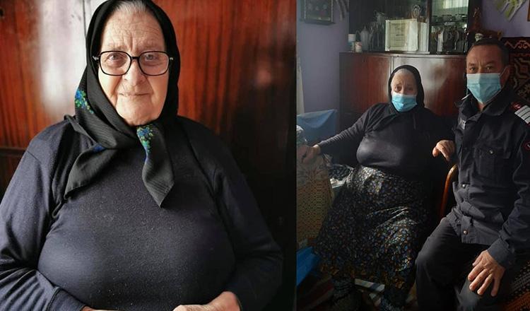"""O bunică a împletit 40 de perechi de ciorapi de lână pentru pompierii din Sângeorz-Băi. """"Vine frigul și tare vă prinde bine"""""""