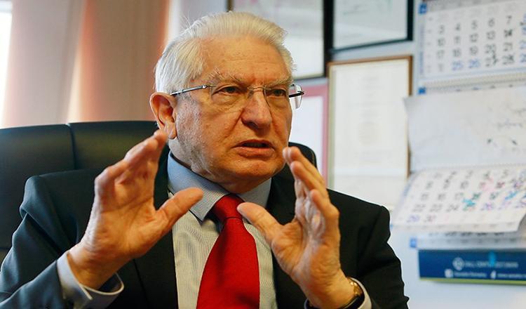 """Medicul neurochirurg Vlad Ciurea: """"Izolarea ne-a tampit. Arma impotriva COVID-ului e imunitatea…"""""""