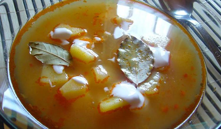 Reţetă mănăstirească unică! Supă de iarnă cu dafin! De post, extrem de gustoasă, uşor de preparat, cu efecte extraordinare pentru stomac şi rinichi!