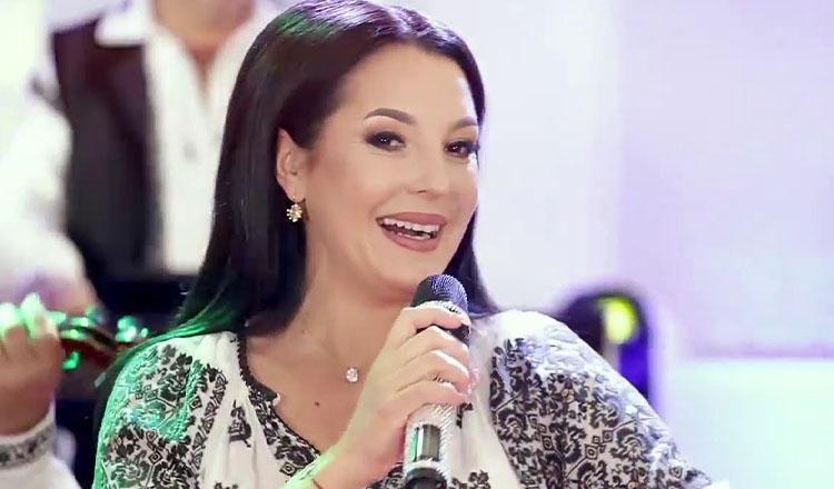 Cântăreața preferată a lui Traian Băsescu, gravidă la 46 de ani! Artista a pierdut trei sarcini în ultimii ani