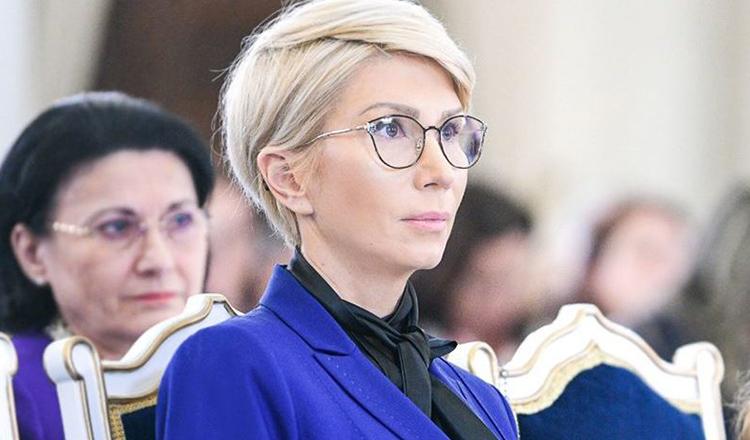 Raluca Turcan TRANȘEAZĂ subiectul schimbării vârstei de pensionare! Sunt DOUĂ proiecte de lege!
