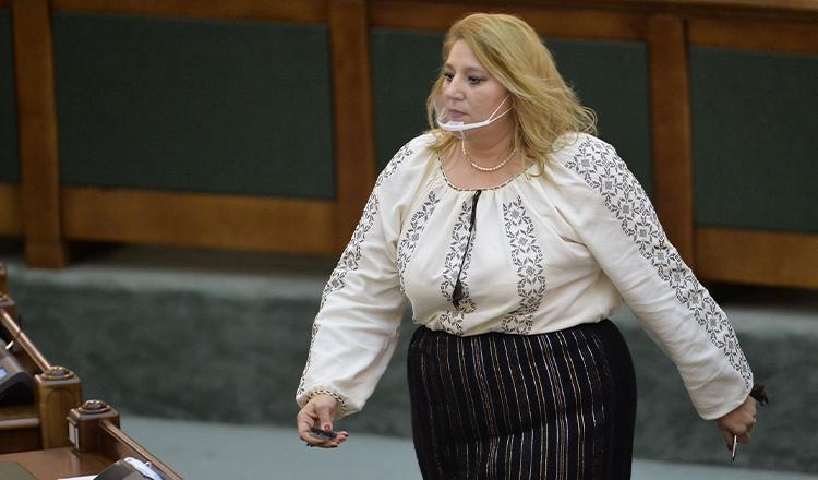 O primește sau nu Ciolacu pe Șoșoacă în PSD