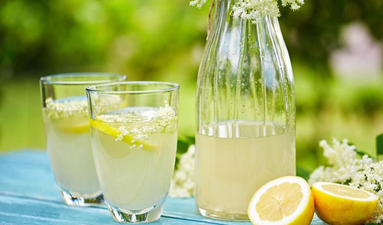 Rețeta de socată de casă. Cum să pregătești una dintre cele mai răcoritoare băuturi, perfectă pentru zilele fierbinți de vară